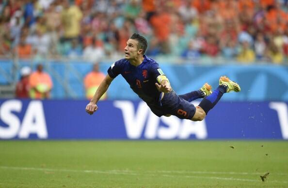 【ファン・ペルシー】ブラジルW杯スペイン戦でのゴールを再現したパラパラ漫画が凄いと話題にwww