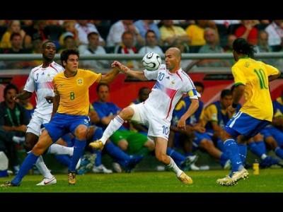 【2006W杯 ブラジルvsフランス】あの瞬間が蘇る!ボールに魔法をかけるジダンの凄さを改めて実感!!